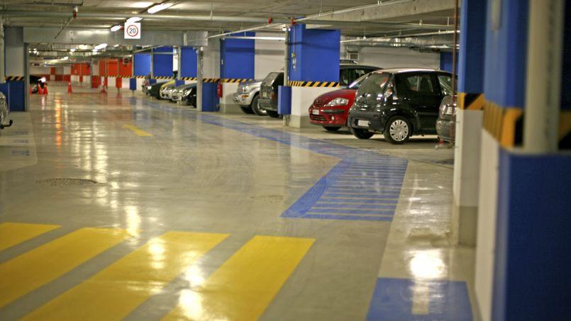 Selon la société Zenpark, 650.000 places de parkings seraient inoccupées en France. Crédit: Vasiliki/iStock