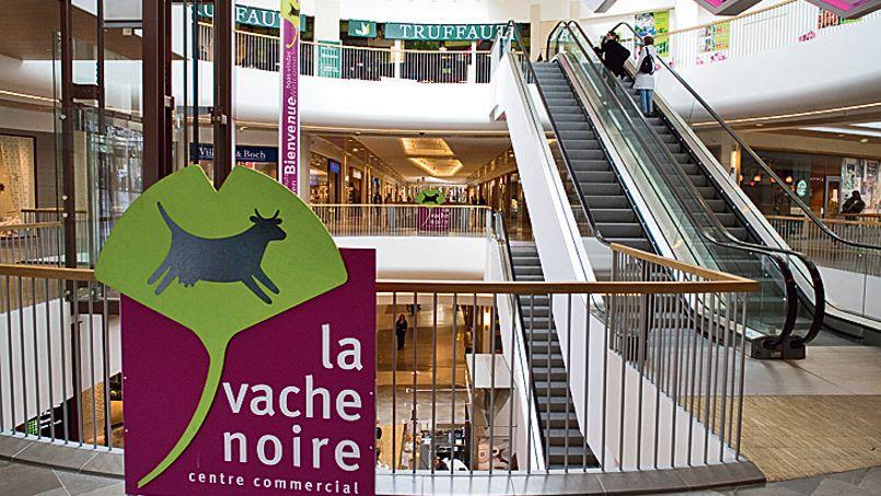 Le centre commercial La Vache noire, à Arcueil en banlieue parisienne, compte plus de 80 boutiques. Crédit: Laurent Hazgui/Divergence
