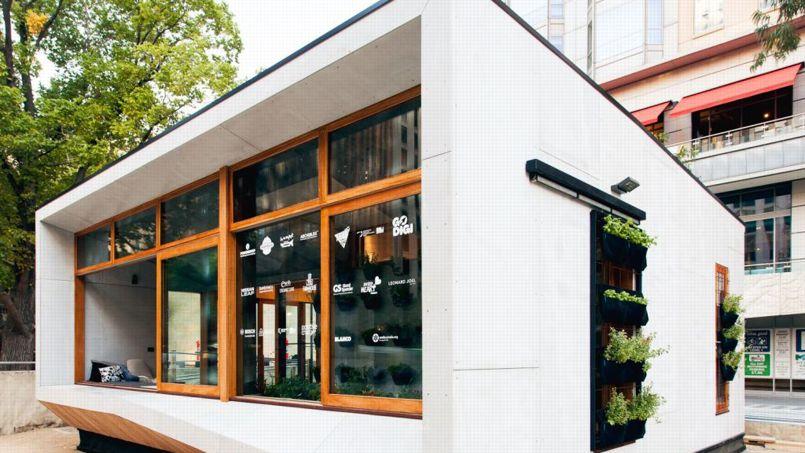 Le premier modèle de la société a été exposé à Melbourne avant d'être déplacé pour servir d'habitation à son directeur. Crédit: Archiblox.
