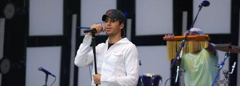 Enrique Iglesias va financer pour 200 000 dollars la scolarité de passionnés de musique latine