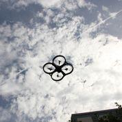 Cinq étudiants organisent une course de drones pour sensibiliser le public à ces engins