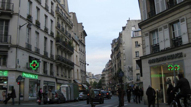 voici les 10 rues les plus ch res de paris. Black Bedroom Furniture Sets. Home Design Ideas