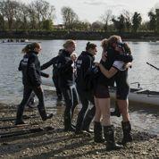 Hommes et femmes sur un pied d'égalité pour la course d'aviron Oxford/Cambridge