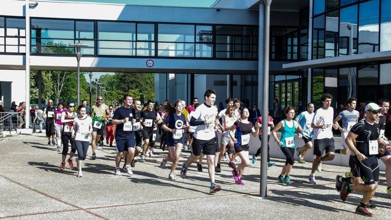 Le départ et l'arrivée sont prévus sur le campus de l'école de commerce francilienne, à Cergy-Pontoise. [© NoirsurBlanc]