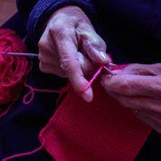 À Toulouse, étudiants et seniors réunis autour de la passion... du tricot