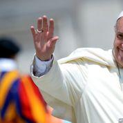 Deux lycéens français présentent leur travail de recherche au pape François