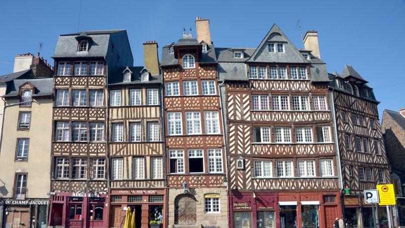 Sur un an, le prix des maisons a grimpé de 0,6% alors que le tarif des appartements s'est effrité de 0,2%                  <i>(ici, le centre de Rennes)</i>.