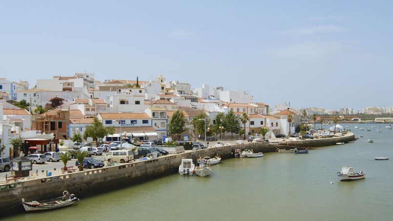 La ville de Ferragudo au Portugal.