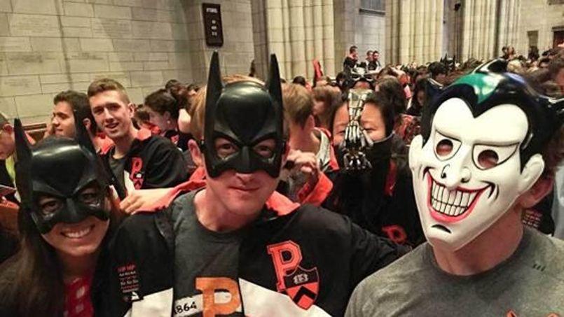 Ryan Maguire/Princeton University - Les étudiants se sont pris aussi au jeu pour faire honneur au héros