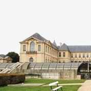 A Saint-Denis, le lycée de la Légion d'honneur investi par des parents d'élèves mécontents