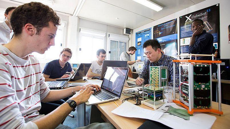 Projet scientifique collectif PCS X CUBE SAT. Jérémy Barande / École polytechnique