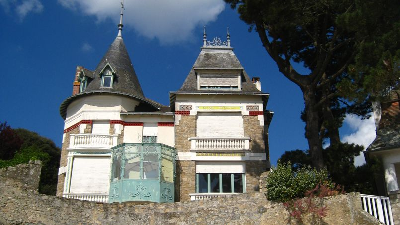 Une maison typique de La Baule, sur le bord de mer. Crédit: Groume (Flickr).