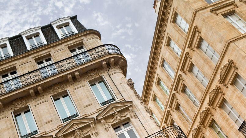 Bordeaux                  <i>(notre photo)</i> est la ville qui attire le plus les cadres candidats au déménagement et rennes et celles où ils font le plus d'économies.