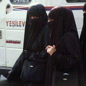 Le Recteur de l'université du Caire interdit le niqab pour les professeures