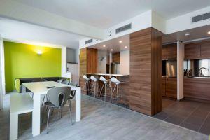 La cuisine et la salle à manger d'un «MelonFlat». ©Miquel Coll