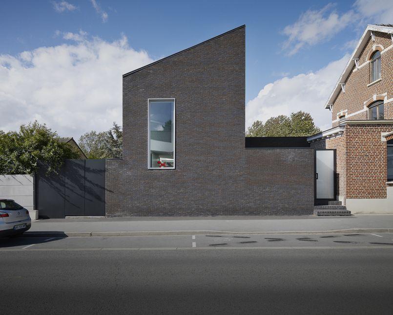 En R 233 Gion Lilloise Une Extension Noire Pour Une Maison De