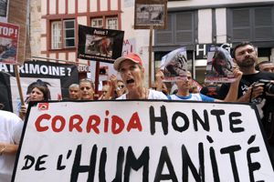 La FLAC souhaite l'abolition des corridas.