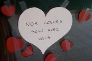Un message collé sur la mosquée d'Antony. ©capture Twitter Chopopope