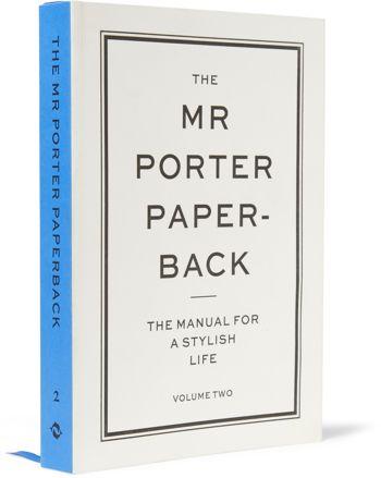 THE MR PORTER PAPERBACK sur MRPORTER.COM – Livre The Manual For A Stylish Life: Volume Two Paperback Book – 25 €
