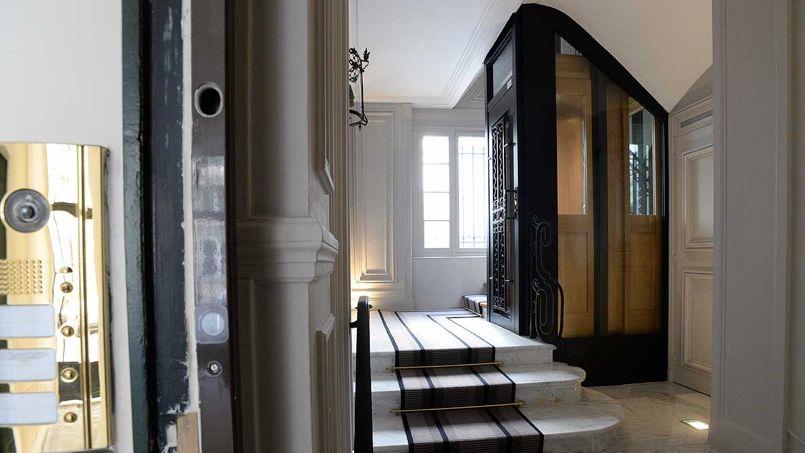 les ascenseurs se r inventent en version solaire ou haussmannienne. Black Bedroom Furniture Sets. Home Design Ideas