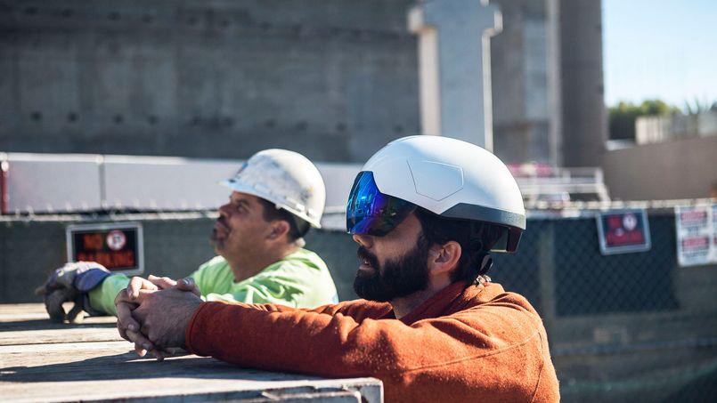 Après les calepins de chantier sur tablette, voici les casques de réalité augmentée. Crédit: Daqri