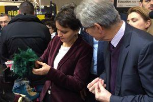 Najat Vallaud-Belkacem rachètera t-elle une paire de souliers sur le stand des artisans du cuir? ©C-A.L