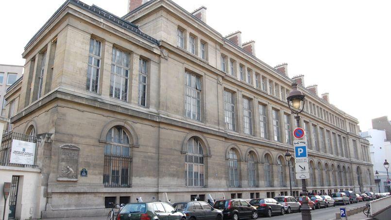 L'Université Paris-Descartes possède les quatre départements les plus saturés: Paces, Staps, psycho et droit.