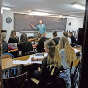 Dans le Xe arrondissement de Paris, le lycée Edgar-Poe fait réussir les cancres