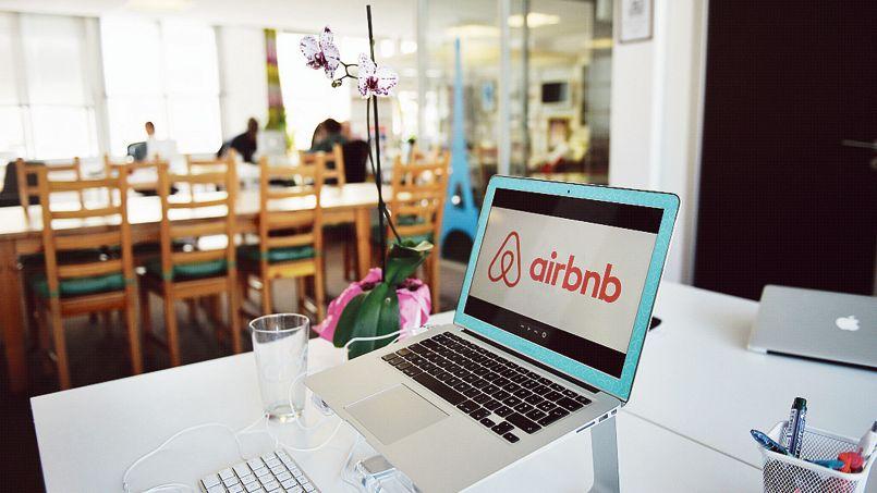Paris est devenue la ville la plus importante au monde pour Airbnb, tant en nombre d'appartements proposés que d'hôtes accueillis.