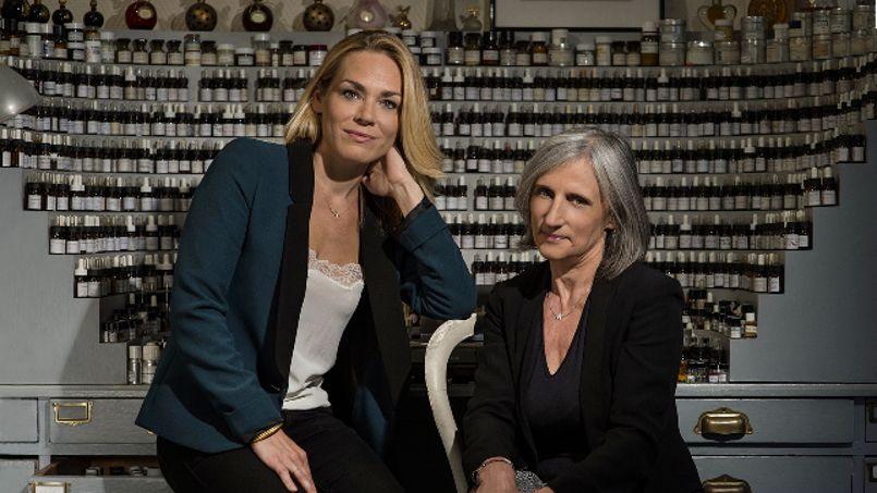 Pour Isabelle Doyen (à droite avec Camille Goutal, fille d'Annick Goutal)), il ne faut pas être chimiste pour devenir»nez», il faut surtout des aptitudes créatrices.
