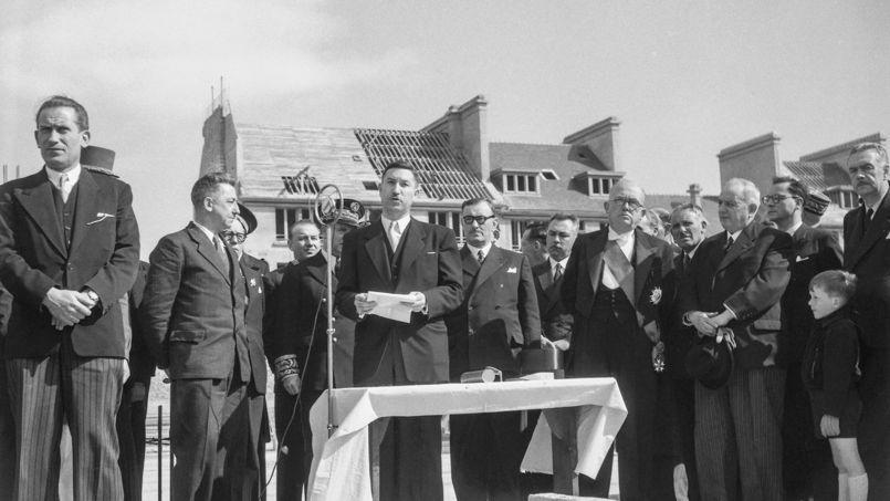 Il faut remonter à la reconstruction d'après-guerre (ici la visite du president Vincent Auriol sur les chantiers de Lorient, en Bretagne, le 23 avril 1950) pour trouver des taux de crédit aussi bas qu'aujourd'hui.