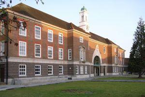 L'établissement compte près d'un tiers d'étudiants étrangers. Wikicommons/©Steve Cadman