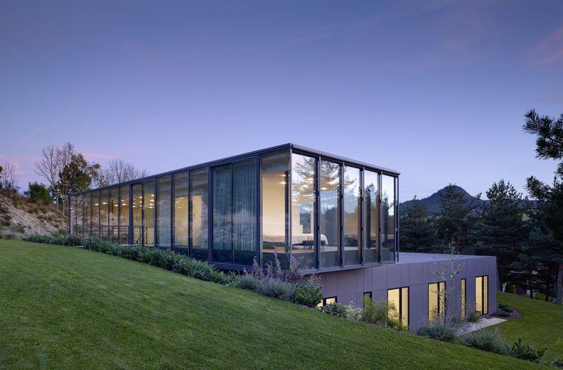 Maison en verre et en b ton avec vue sur les volcans - Le verre maison ...