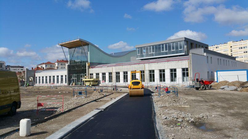 Le nouveau bâtiment de l'École Émile Cohl a été construit sur d'anciennes friches industrielles près de la Part-Dieu.