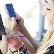 Les 16-24 ans passent près de 4h par jour à consulter leur portable