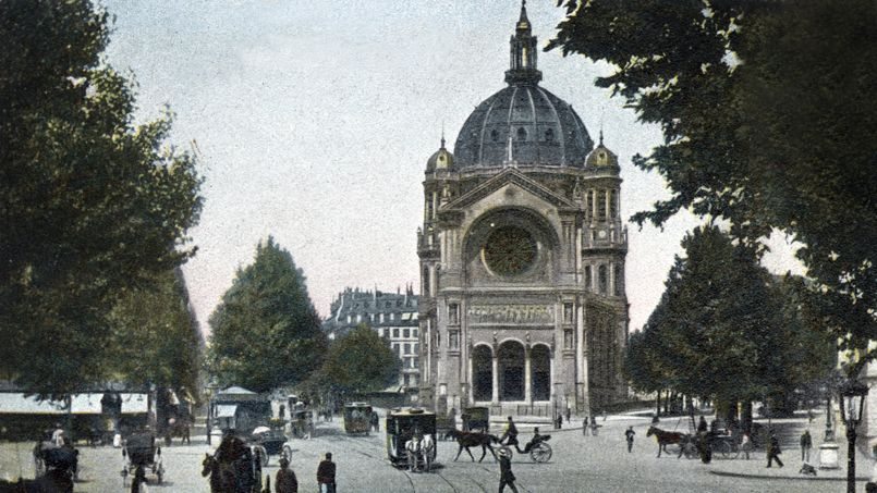 Carte postale de 1906 représentant l'église Saint-Augustin, définitivement achevée en 1871.