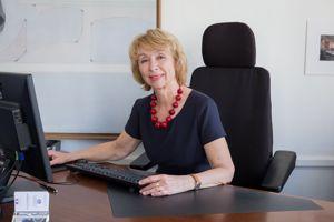 Danièle Jourdain-Menninger, présidente de la Mission interministérielle de lutte contre les drogues et les conduites addictives (Mildeca) déconseille l'auto-médication.