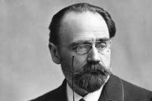 Comme Zola, Anatole France a voulu raconter la société française (Emile Zola par Nadar).