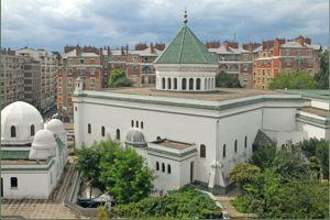 La Grande Mosquée de Paris donne les horaires sur son site.