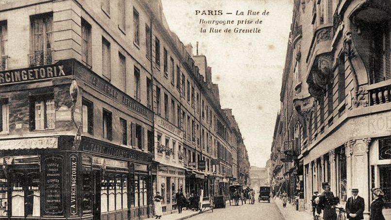 La rue de Bourgogne, vers 1900.