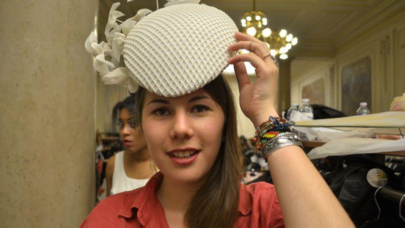 «J'ai réalisé des origamis, accroché à l'arrière du chapeau, comme une envolée de papillons». ©C-A.L