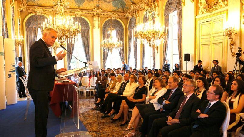 Le ministre des Affaires Etrangères Jean-Marc Ayrault est venu féliciter la promotion Excellence major 2016 ©F. De la Mure/MAEDI