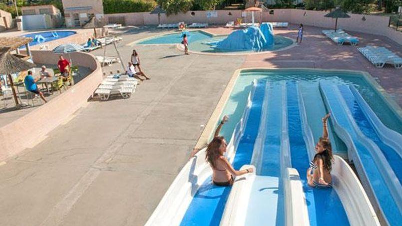 Au choix, la piscine ou la mer. ©campinglecastellas.com