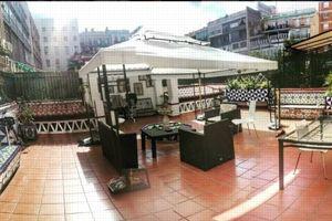 Les clients peuvent prendre leur petit-déjeuner sur la terrasse de l'auberge. ©Instagram/©gi_rae_gi