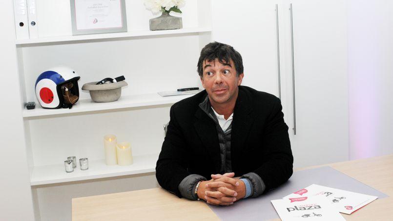 Stéphane Plaza, l'agent immobilier le plus célèbre de France.