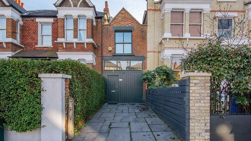 Une maison de 3 mètres de large pour 1 million d'euros à Londres. Crédit photo: Fortitude Press