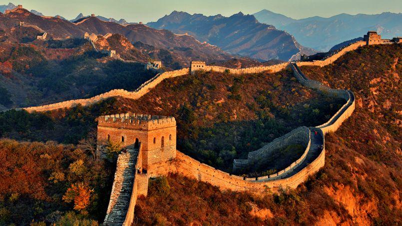 Trump souligne que si les Chinois ont su construire leur Grande muraille «sans grues ni tractopelles», il réussira bien à faire construire son mur.