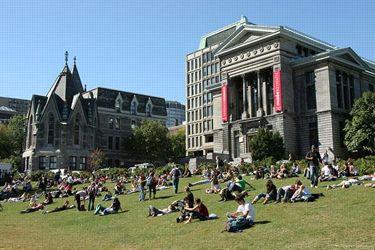 L'Université McGill, fondée en 1821, est la plus ancienne université de Montréal.