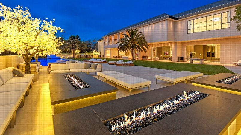 A Los Angeles Une Villa Hyper Luxueuse Bradee A 100 Millions De Dollars