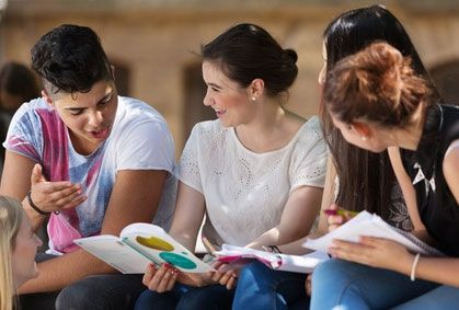 Rentrée universitaire : les bourses étudiantes seront versées plus tôt